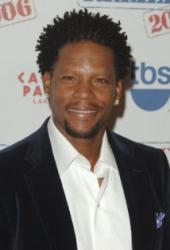 Actor-comedian D.L. Hughley tests positive for coronavirus after collapsing onstage in Nashville