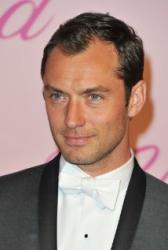 Jude Law bude pošesté otcem. Jeho druhá manželka je těhotná