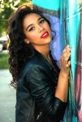 Roli Aaliyah nakonec (někdy) bude hrát Alexandra Shipp