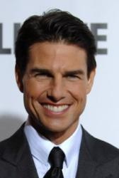 Tom Cruise shuts down fake butt rumors