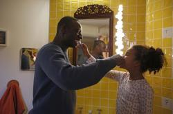 Filmové premiéry: strhující hledání cesty domů i Omar Sy jako originální otec